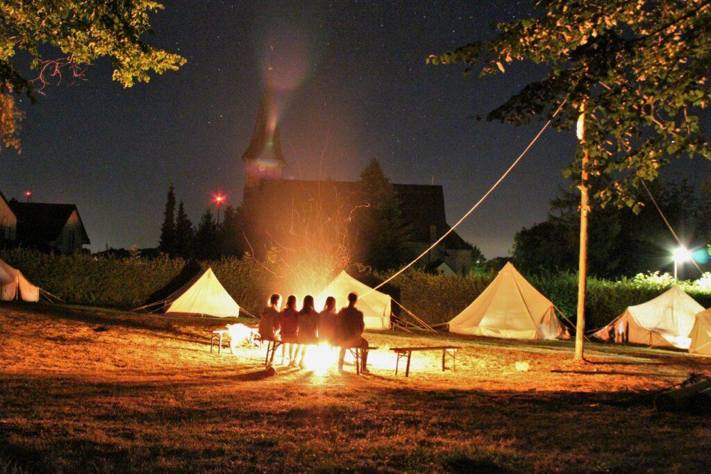Lagerfeuer im Zeltlager WerreWeser